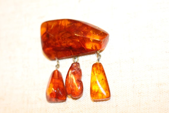 15.5 Gram Carved Yellow Butterscotch Baltic Amber Brooch Pin Antique