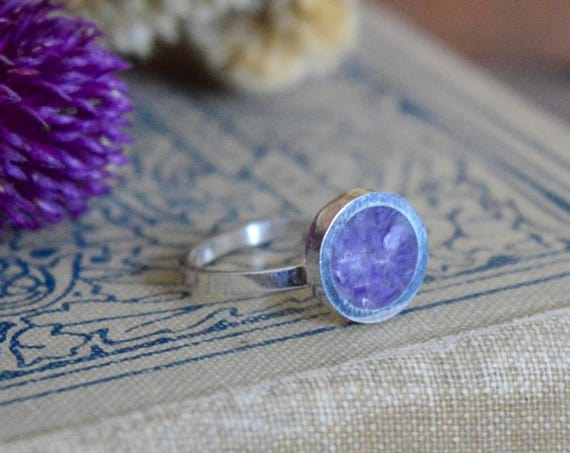 Silver and Crushed Amethyst Handmade Ring - Natural Stone Simple Light Purple Gem Stone Minimalist Geometric Sterling Rock Powdered Circle