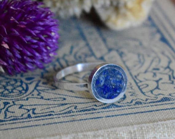 Silver and Crushed Lapis Lazuli Handmade Ring - Natural Stone Simple Dark Blue Gem Stone Minimalist Geometric Sterling Rock Powdered Circle