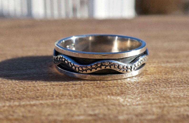 Cool Vintage 925 Sterling Silver Snake Spinner Ring