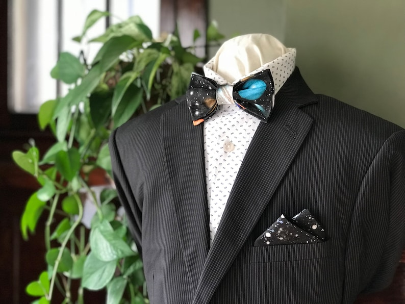 Simply Me \u2022 Gentlemen Wedding Planets /& Stars Handmade Adjustable Bow Tie with Pocket Square Solar System Black Gents Bow Tie
