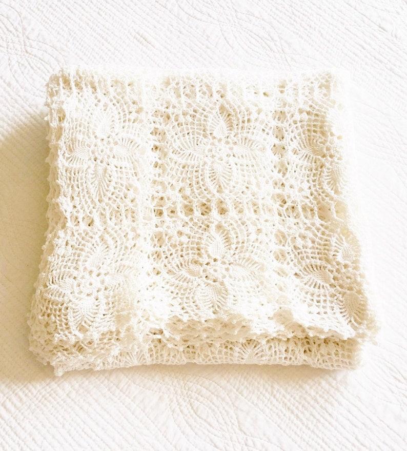image 0 ...  sc 1 st  Etsy & Vintage Cottage Home Snow White Crochet Thread Table Linen | Etsy