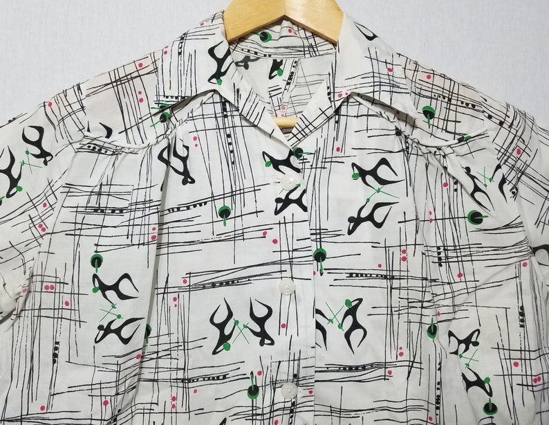Vintage 1960s Womens Atomic Fencing Novelty Print Blouse Shirt image 0
