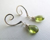 Peridot Earrings - silver...