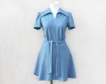Abito Vintage Invernale anni 60 Nuovo con etichetta   vestito strutturato e  svasato   abito corto azzurro con colletto taglia 44 8113bd0113b