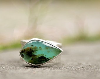 Earth-Water-Wind  -- A Dendritic Peruvian Opal Artisan Tree Bark Ring in Sterling Silver -- Size 6 1/2