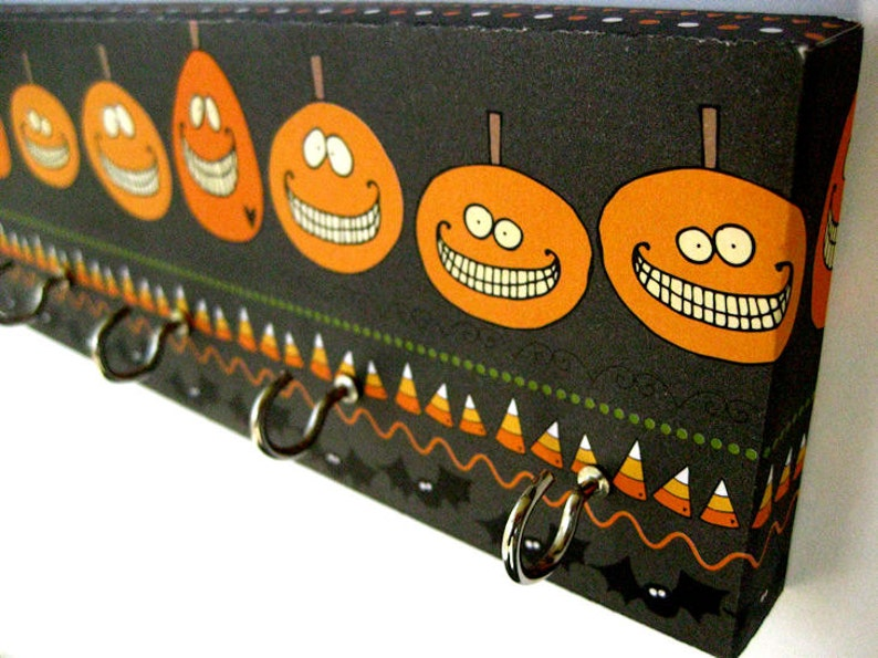 Halloween Pumpkin Key Rack or Jewelry Holder Black and image 0