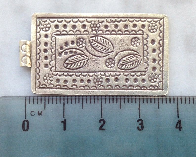 Thai Hill Tribe Fine Silver Leaves and Flowers pendant HT 65