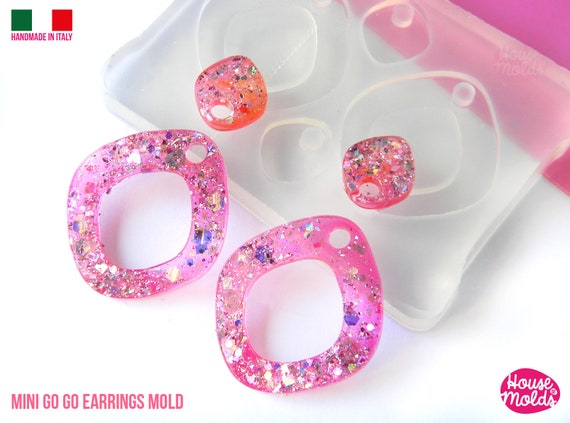Mini Go-Go earrings Clear Molds , Premade Holes on top , measurements 28 x 26 mm thickness 2 mm  super shiny - house of molds