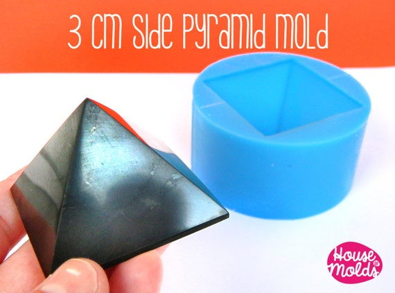 Pyramid 3 cm x side ,Mold for 3D Pyramid-HOUSE OF Molds-