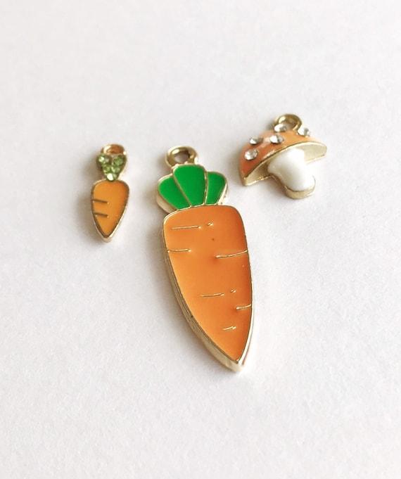 5 Carrot Charms Orange Enamel and Rhinestone Charms Carrots Pendants