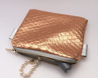 Gold lame makeup pouch, pink