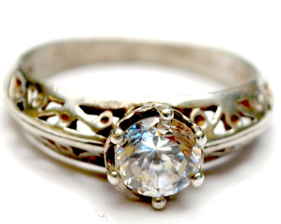 Sterling Filigree CZ ring   Cubic Zirconia  Size 7 ring  vintage silver ornate setting