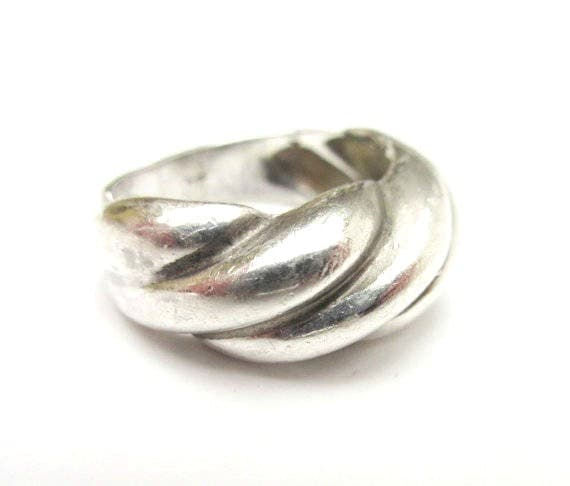 Sterling Band ring - twisted ribbed  Silver -  modern Mod design -  size 7 1/2