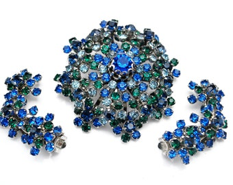 Flower Brooch and earring set  blue green Rhinestone silver metal flower Mid century  parure  clip on climbing  earrings