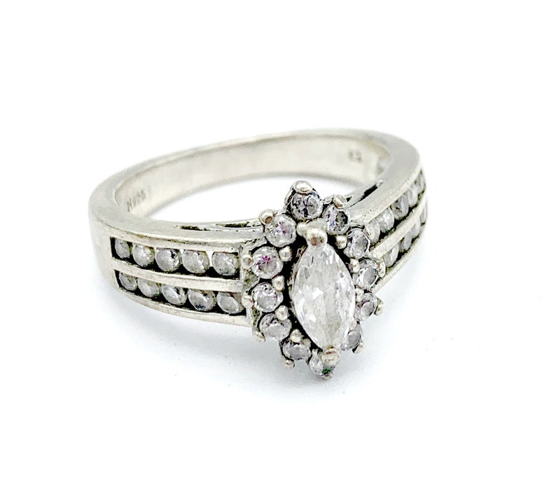 Sterling Cubic Zirconia Ring size 7   multi stone cz Promise ring