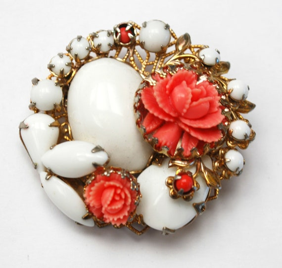 Coral Celluloid Flower brooch - White milk glass - Cluster cabochon pin - Pink Salmon  - gold filigree floral pin