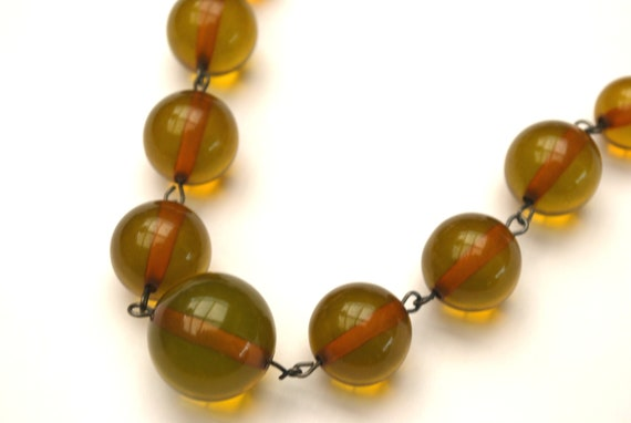 Graduated Apple Juice Bakelite  Bead Necklace - Light green brown vintage   Plastic  - Art Deco  -24 inches