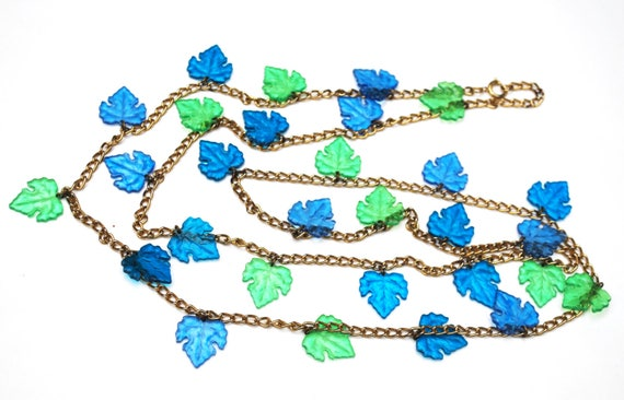 Blue Green Leaf Necklace  Lucite Plastic  grape leaf  vintage   gold tone chain  Turquoise teal leaves