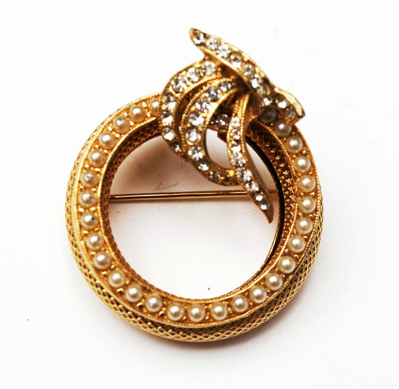Napier Convertible Brooch  Pearl Rhinestone  round Wreath Pin   3 brooches in one