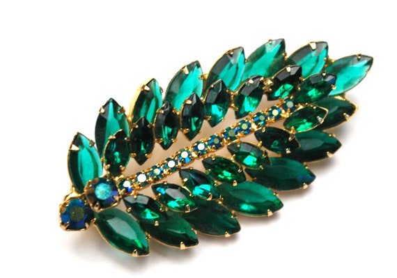 Green Rhinestone leaf Brooch  - open back  - Green crystal layed - Aurora Borealis - Gold Plated  - Mid Century  3 inch  pin