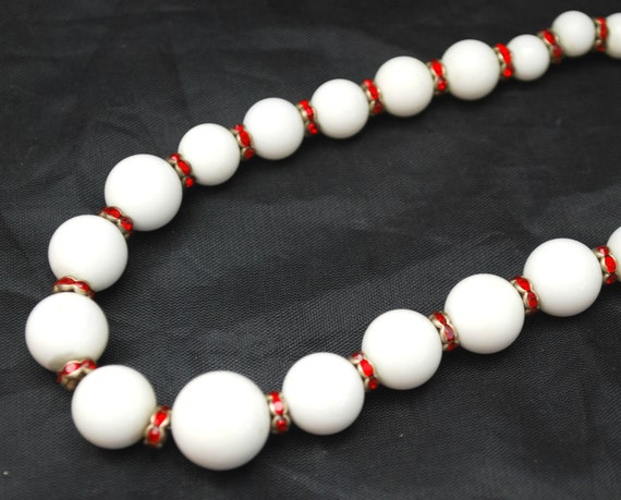 Graduated white milk glass  Glass bead Necklace - Rhinestone Red Rondelle beads