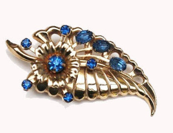 leaf brooch blue rhinestone crystal  gold floral flower Vintage  mid century pin