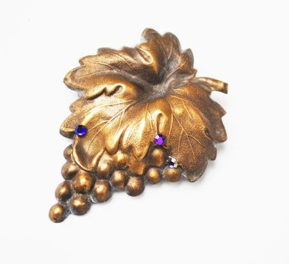 Leaf Berry Brooch - Gold Brass  metal - purple rhinestone -  grape leaves pin art nouveau