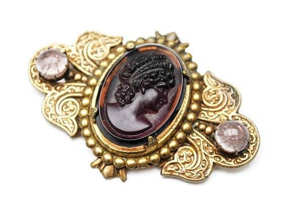 Glass Cameo Bar  Brooch - Purple molded glass  Gold Brass Metal - women profile - Victorian pin