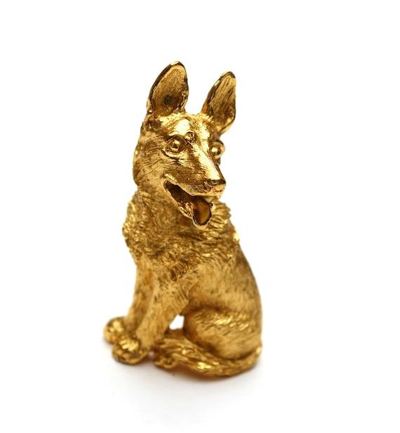 Crown Trifari dog  Brooch  Gold  Dog pin  German Shepard  feline pin