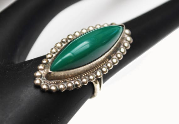 Green Onyx  ring  size 5  Signed Silver Mexico Carved green gemstone boho ring