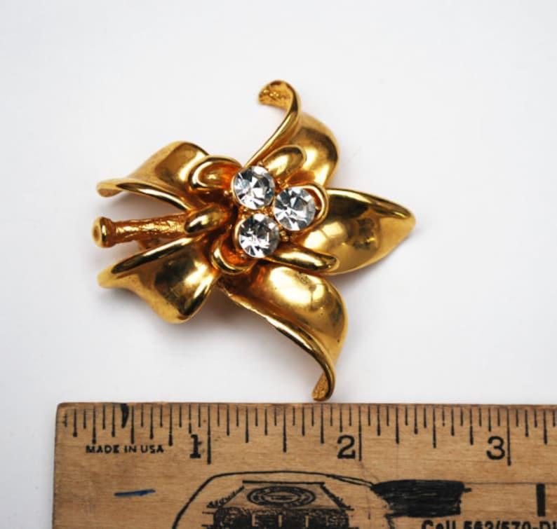 Gold rhinestone Flower Brooch  pendant   Clear Crystal   Floral Pin