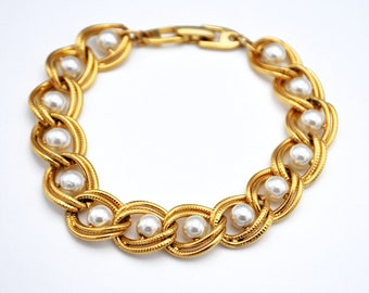 Napier pearl  Gold chain Bracelet white pearl beads gold twisted links