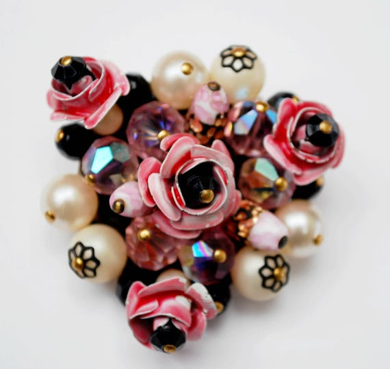Pink Pearl crystal  Brooch - Bead cluster pin - white pearl - Pink enamel - Floral - wire wrap Floral pin