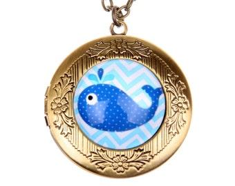 Necklace locket Whale 2020m