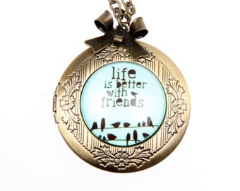 Life is better with friends Necklace locket, 2020m