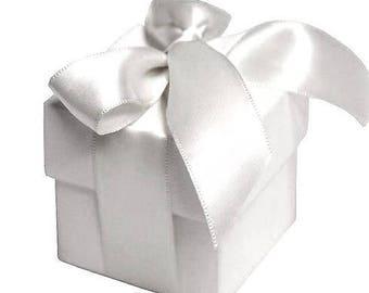 Elegant white 2 piece favor boxes - Set of 25