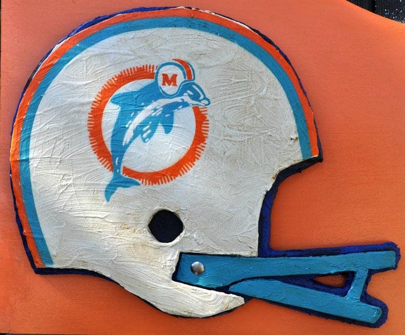 wholesale dealer d7d25 e8a93 Miami Dolphins Throwback Helmet Sculpture