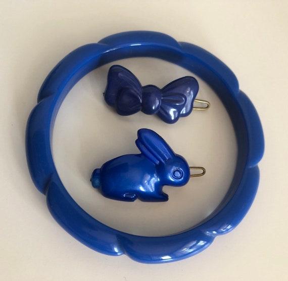 Vintage 80s blue plastic jewellery, accessories ha