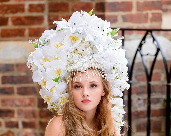 Large White Flower Headdress, Fantasy Headdress, Statement Headpiece, Flower Headpiece, Large Flower Crown, Wedding Crown, Wedding Headpiece