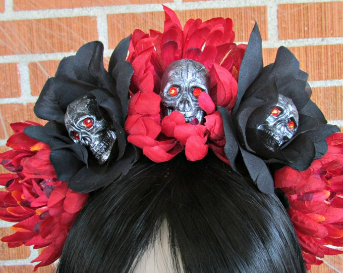 Flower Crown, Rose Skull Crowns, Day of the Dead Flower Crown, Día de los Muertos Headdress, Veiled Headdress, Skull Headband, Rose Crown