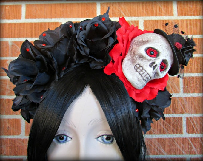 Flower Crown, Rose Skull Crown, Day of the Dead Flower Crown, Día de los Muertos Headdress, Skull Headband, Red & Black Rose Crown, Voodoo