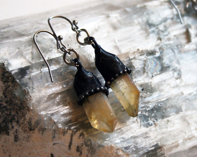 Light Lemon Aura Quartz Crystal Drop Earrings // Light Yellow Quartz Point Dangle Earring // Crystal Point Earrings // Crystal Spike Earring