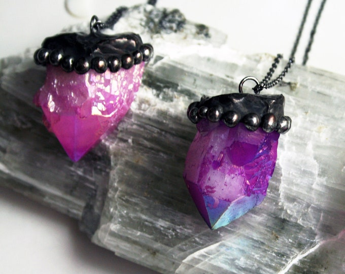 Pink or Purple Aura Elestial Quartz Necklace // Minimal Pink Aura Purple Aura Quartz Crystal Layering Necklace