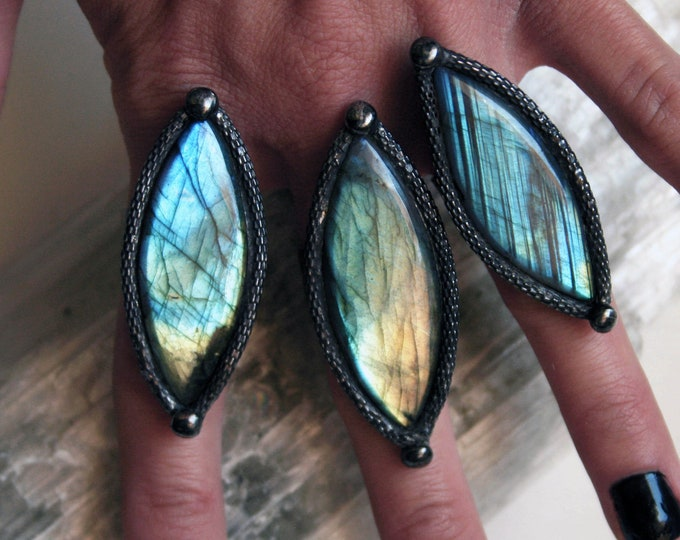 Labradorite Marquis Ring // Labradorite Adjustable Diamond Eye Ring // Gold Rainbow Blue Labradorite