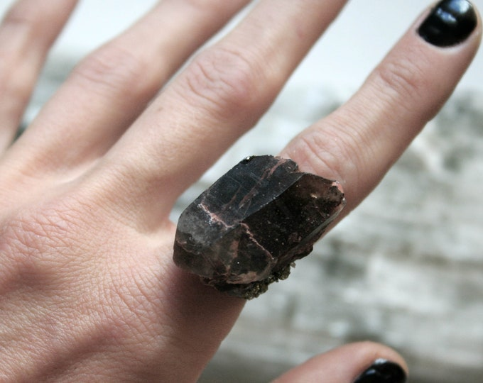Arizona Smoky Quartz Crystal Ring // Terminated Smoky Quartz Crystal Adjustable Size Ring with Pyrite