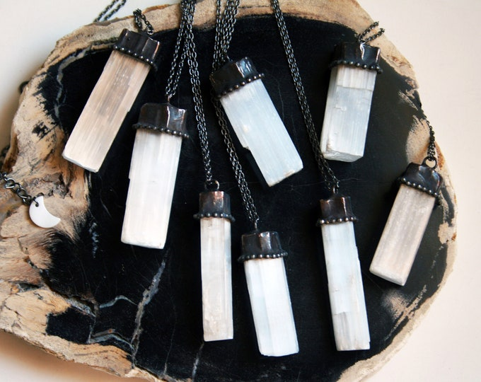 Selenite Raw Crystal Necklace // White Selenite Rod Crystal Necklace // Natural Selenite Crystal Necklace Jewelry