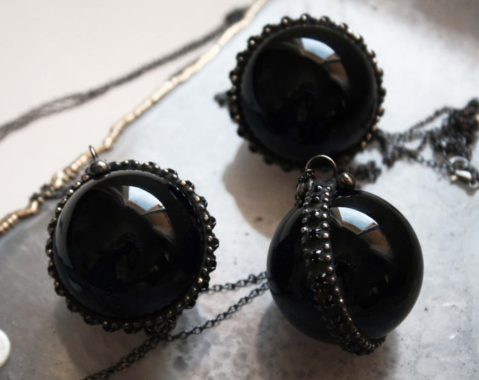 Large Obsidian Black Crystal Ball Necklace // Obsidian Sphere Necklace // Black Crystal Obsidian Layering Necklace