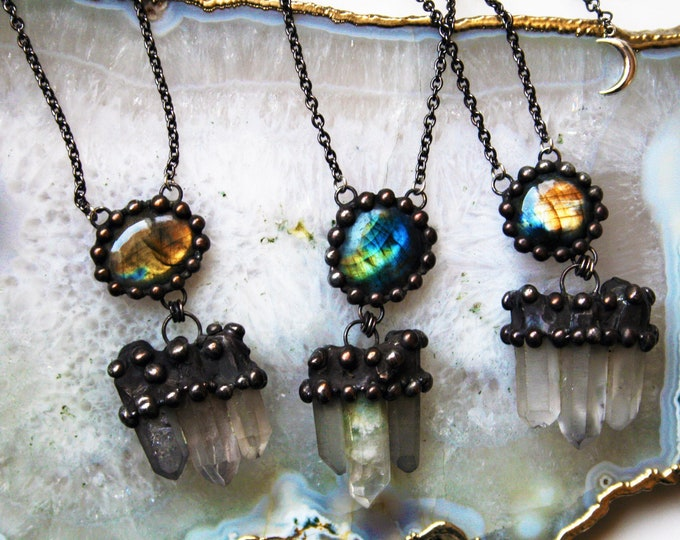 Labradorite and Quartz Point Necklace // Terminated Quartz Points Labradorite Statement Necklace // Labradorite Gemstone Crystal Necklace
