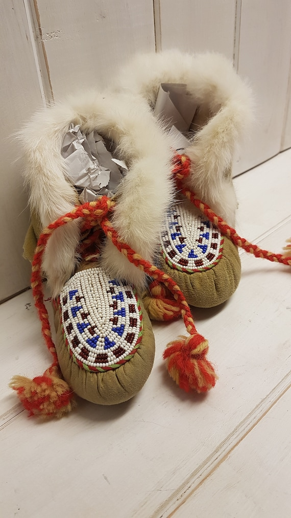 Vintage Children's Handmade Beaded Moccasins -1980